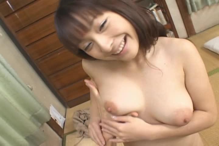 琴乃、アイドル⇒グラドル⇒AVへのロリ顔女優がGカップ巨乳を揉まれる動画。過去作品を軽く回顧