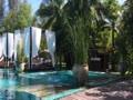 サロジンのプール